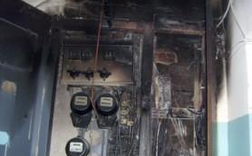 В смоленской десятиэтажке на Кловке загорелся подъезд