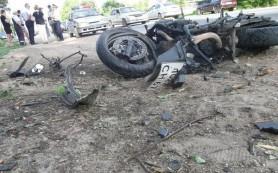 В Смоленске водитель мотоцикла врезался в дерево