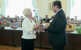 В администрации Смоленской области поздравили с профессиональным праздником лучших врачей, медсестер и фельдшеров
