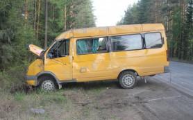 Nissan столкнулась с маршруткой №30 в Красном бору Смоленска