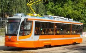 Пассажирам трамваев устроили ненавязчивые экскурсии