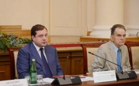 Алексей Островский обсудил развитие строительного комплекса Смоленщины с легендарным Алексеем Орловым