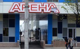 В Смоленске из гостиницы «Арена» выпал мужчина