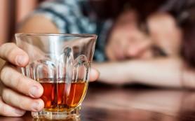 В Сафоново две девушки отравились суррогатным алкоголем