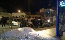 В Смоленске в результате аварии с трамваем умер водитель «Тойоты»