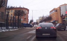 В Сеть выложено видео жесткого ДТП в центре Смоленска