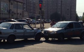 В Смоленске полиция разыскивает свидетелей ДТП на улице Академика Петрова