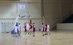Смоленским священникам выделили время для спортивных занятий в «Юбилейном»