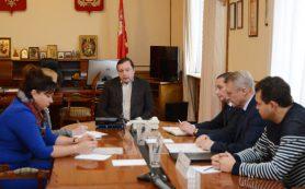 Алексей Островский провел совещание по поводу инцидента в Вяземском районе