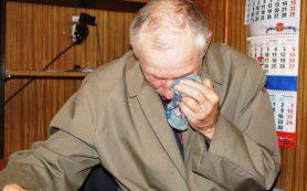 В Руднянском районе мужчина отнял продукты у 82-летнего дедушки