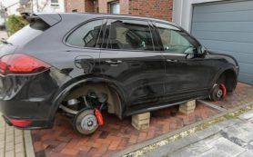 В Смоленске задержали серийных воров автомобильных колес