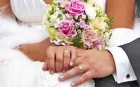 Смоляне в июле заключали браки реже, чем год назад