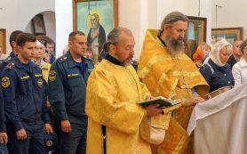 Смоленские спасатели приняли участие в праздничном молебне в честь иконы Божией Матери