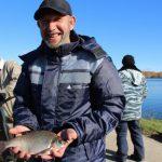Рыбаки похвастались уловом на Десногорском водохранилище