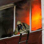 При пожаре в Смоленске был спасен хозяин квартиры