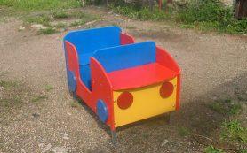 В смоленской колонии делают игровые детские площадки