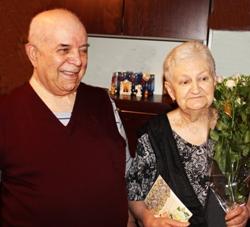Семья из Смоленской области отметила бриллиантовую свадьбу