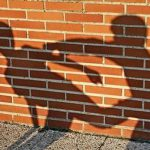 Толпа несовершеннолетних устроила потасовку в Смоленске у ТЦ «Юнона»