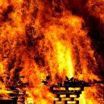 Пенсионерка погибла во время пожара в деревне Паново