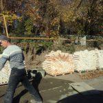 В Смоленске кладбище обносят новым забором
