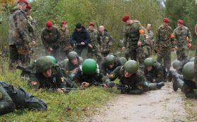 «Марш-бросок, стрельба и бои». В Смоленской области спецназовцы прошли испытания на право ношения краповых беретов