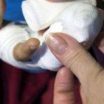 Женщина и двое детей перевернулись в автомобиле в Смоленской области