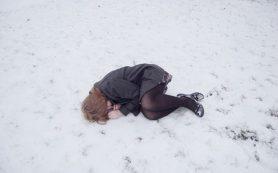 «Девочка лежала на дороге»: в Смоленской области дети играют со смертью