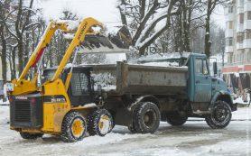 В новогодние праздники уборка Смоленска от снега будет вестись в круглосуточном режиме