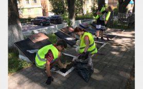 В Смоленске работают молодёжные трудовые бригады