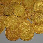 Коллекционера золотых монет из Вязьмы обманули в интернете