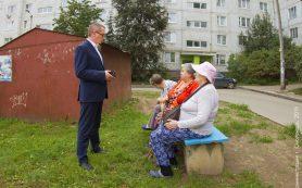 Андрей Борисов проверил качество ремонта дворов в Смоленске