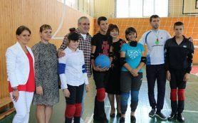 В рамках региональной недели Сергей Неверов посетил Краснинскую школу-интернат