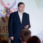 Глава Смоленской области выразил отношение к галстукам и коротким юбкам