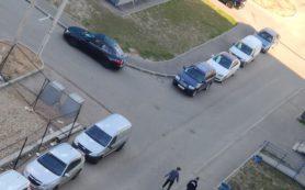 В Смоленске неадекват с ножом напугал жителей Королёвки