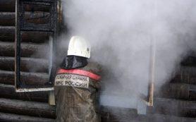 Хозпостройка загорелась в поселке Гусино Смоленской области