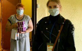 Волонтеры-медики доставляют льготные лекарства смолянам