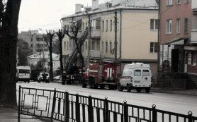 На ул. Фрунзе в Смоленске примчались скорая, пожарная и газовая служба