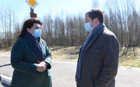Алексей Островский ознакомился с работой КПП на въезде в Вязьму