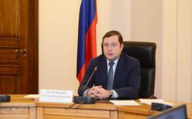Губернатор поздравил медицинских работников среднего звена с профессиональным праздником