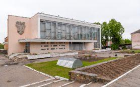 На ремонт крыши ДК в райцентре Смоленской области выделили 4 млн рублей