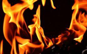 Пожар произошел в производственном цехе в Смоленске