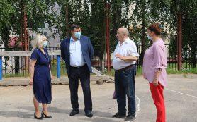 В школе № 1 Смоленска благоустроят спортивную площадку