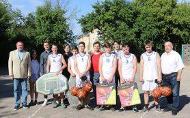 В школе № 1 Смоленска обновили спортивный инвентарь