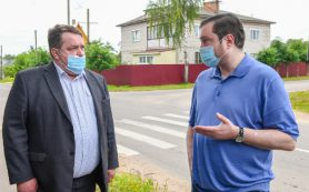 Губернатор Смоленской области проверил, как выполнено его поручение по обустройству тротуаров в Духовщине