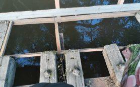 Под Смоленском мост через реку стал угрозой для жизни горожан