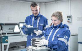 Алексей Островский высоко оценил развитие битумного завода «Газпром нефти»