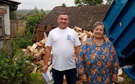 Фонд «СозИдаНие» помогает нуждающимся заготовить дрова