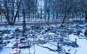 В Ярцеве сгорели три торговые точки с товаром