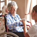 Помощь на дому для пожилых и больных людей