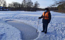 Сотрудники МЧС продолжают рейды по водоёмам Смоленщины